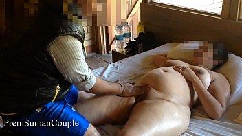 Толстая зрелая брюнетка с шикарными грудями дала рабочему такси