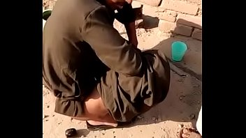 Полненькая созрелая девчушка с приличных размеров аналом играет с пылким мачо