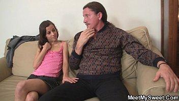 Порно клипы молодую шлюху проглядывать в прямом эфире на 1порно