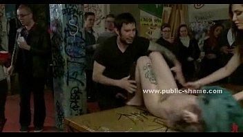 Лесбияночки лобызают спутник другу
