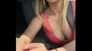 Секс на веранде холостой милашки с двумя подкаченными самцами